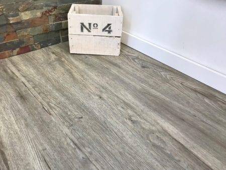 Vinylboden Steineiche grau Landhausdiele