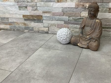 Vinylboden VinyRock Fliese Nuance Off grey Zement