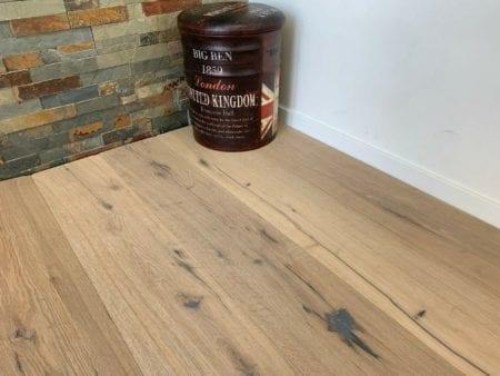 Wood Eiche rustikal gebürstet weiß geölt Landhausdiele Fertigparkett